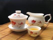 Service de thé de chinois traditionnel photo libre de droits