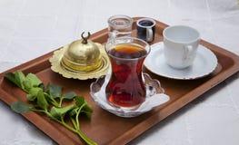 Service de thé traditionnel Photos stock
