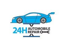 Service de voiture, mécanicien automobile travaillant dans le garage, service des réparations Image stock