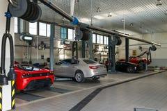 Service des réparations de voiture de Ferrari images stock