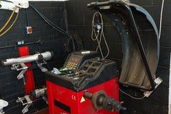 Service för bilgummihjul Royaltyfria Bilder