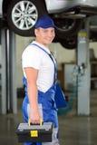 service för utbyte för bunkebilelevator lyftolja Fotografering för Bildbyråer