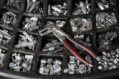 service för utbyte för bunkebilelevator lyftolja Hjälpmedlet för reparation av gummihjul Fotografering för Bildbyråer