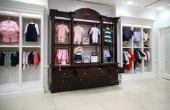 service puéril de vêtement Photos stock