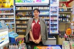 servicebutik 7-Eleven Fotografering för Bildbyråer