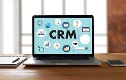 Servicekonzept Firmenkunde CRM-betriebswirtschaftlicher Auswertung handhaben stockfotografie