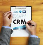 Servicekonzept Firmenkunde CRM-betriebswirtschaftlicher Auswertung handhaben lizenzfreie stockfotos