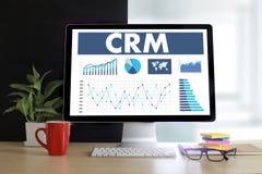Servicekonzept Firmenkunde CRM-betriebswirtschaftlicher Auswertung handhaben lizenzfreie stockfotografie