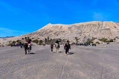 Services d'équitation de touristes au bâti Bromo photographie stock libre de droits