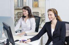 Servicio de atención al cliente femenino Imágenes de archivo libres de regalías