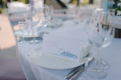 Servicio de cena formal como en un banquete de la boda Fotos de archivo