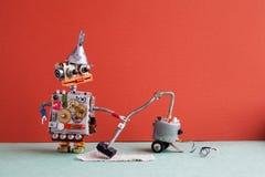 Servicio de la máquina del aspirador del robot La tolva robótica divertida del embudo del metal del juguete, dientes rueda el cue Foto de archivo