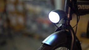 Servicio de mantenimiento de la bicicleta Junta de una nueva bici 5 almacen de video