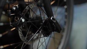 Servicio de mantenimiento de la bicicleta Junta de una nueva bici 1 almacen de video