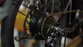 Servicio de mantenimiento de la bicicleta Junta de una nueva bici 10 almacen de video