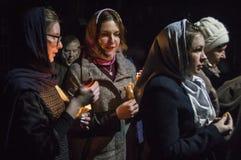 Servicio de Pascua en la iglesia ortodoxa en la región de Kaluga de Rusia fotos de archivo libres de regalías