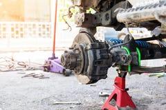 Servicio de reparación del coche industrial Fotos de archivo libres de regalías