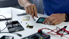 Servicio de reparación del teléfono almacen de metraje de vídeo