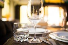 Servicio del abastecimiento en restaurante Fotografía de archivo libre de regalías