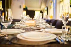 Servicio del abastecimiento en restaurante Imagenes de archivo