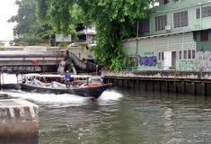 Servicio del barco en el canal de Bangkok Fotografía de archivo libre de regalías