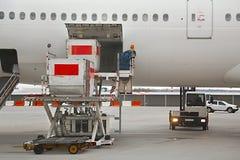 Servicio en tierra de los aviones Imagen de archivo libre de regalías