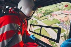 Servicio médico del emergecy del helicóptero imagenes de archivo