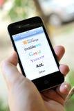 Servicios de correo electrónico globales en el iphone 4S Imagen de archivo libre de regalías