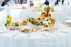 Servicios del abastecimiento del restaurante Sistema de la tabla de banquete Fotografía de archivo