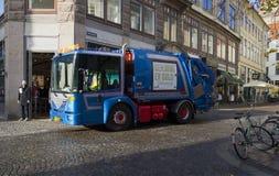 Servicios urbanos de Mercedes en las calles de Copenhague Imagen de archivo libre de regalías