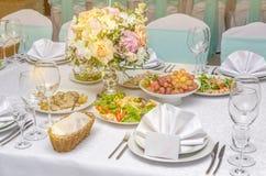 Servido para a tabela de banquete do casamento Foto de Stock Royalty Free