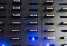 Servidor de datos con los discos duros Foto de archivo