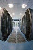 Servidores en sala de ordenadores Imagen de archivo libre de regalías