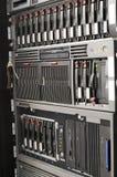 Servidores montados estante imagenes de archivo