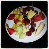 Servierplatte mit Saisonfrucht Stockfoto