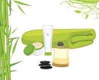 Serviette de bain, crème et lotion d'huile et en bambou aromatiques Ensemble de Bath Images stock