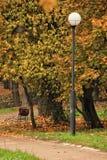 Serviette et lanterne isolées images stock