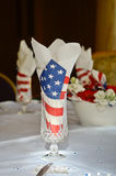 Servietten der amerikanischen Flagge in einem Glas Stockbild