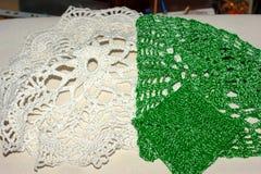 Serviettes à jour de crochet Photos stock