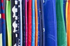 Serviettes de plage sur l'affichage photo libre de droits