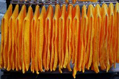 Serviettes oranges Hung Up To Dry Image stock
