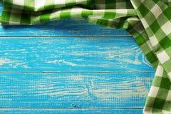 Servilleta del paño en la madera fotografía de archivo