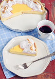 Serving lemon tart Royalty Free Stock Photos