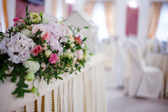 Serving wedding table flowers. Design Bureau for newlyweds Stock Photos