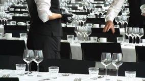 Servir dans le restaurant
