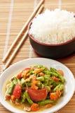 Servire di lunghezza dell'insalata del fagiolo dell'iarda con il riso tailandese del gelsomino Fotografie Stock