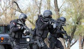 Servische Gendarmerieexploitanten Stock Foto's