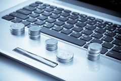 Servizi finanziari in linea Immagini Stock Libere da Diritti