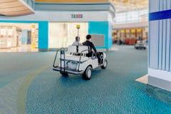 Servizio æreo moderno nell'aeroporto per i passeggeri ed i bagagli, co Fotografie Stock Libere da Diritti