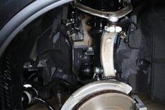 Servizio dell'automobile L'alta pressione pulita del posto adatto della ruota Immagini Stock Libere da Diritti